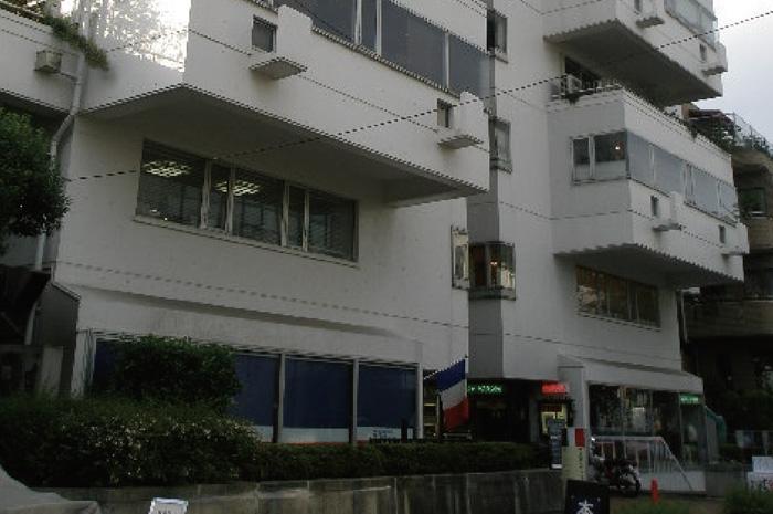 渋谷区神宮前4